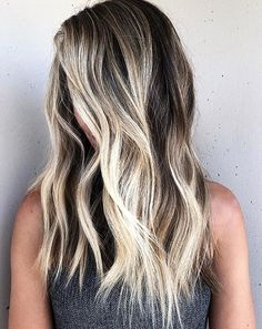Ready to finally try trendy blonde highlights Here are 50 amazing options thatll help you see if the blonde life will work for you or not Blonde Balayage Highlights, Bayalage Dark Hair, Brown Hair With Blonde Highlights, Bright Blonde, Brown Blonde Hair, Light Brown Hair, Light Hair, Brown With Lowlights, Red Hair