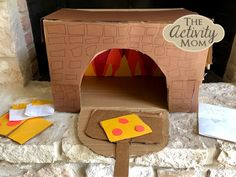 Make a Cardboard Box Pizza oven with your child for hours of creative fun. Design the pizza oven and create the pizzas, all using a cardboard box. Creative Play, Creative Crafts, Easy Crafts, Diy And Crafts, Cardboard Play, Cardboard Box Crafts, Oven Diy, Diy Pizza Oven, Pizza Ovens