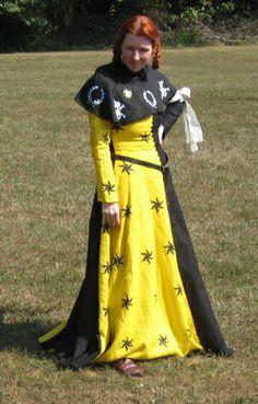 Black/yellow heraldic cotehardie by Laura Mellin.  Adapt for Caerleon :)