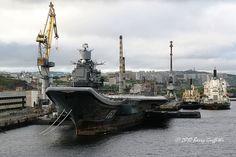 Russian Navy Admiral Kuznetsov (CV 063) under refit @ Murmansk Navy Docks, Russia (2008) | Flickr: partage de photos!