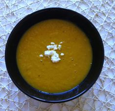 Serves 4 Packed with carrots, lentils and Moroccan spices, this soup is full of yum. It's actually very similar to this Spiced Carrot and Lentil Soup, except it uses less lentils and has a mo… Moroccan Carrots, Moroccan Spices, Carrot And Lentil Soup, Lentil Stew, Cooker Recipes, Soup Recipes, Thermomix Soup, Vegetarian Main Meals, Meals For One