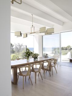 Most Design Ideas White Wood Dining Room Chairs Pictures, And Inspiration – Modern House Dining Room Lighting, Dining Room Chairs, Dining Room Furniture, Dining Area, Minimalist Dining Room, Modern Minimalist, Suburban House, 1950s House, Style Deco
