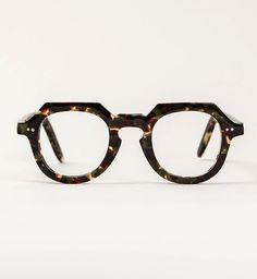 Funky Glasses, Glasses Frames, General Eyewear, Louis Vuitton Hombre, Sunnies, Lunette Style, Fashion Eye Glasses, Men Eyeglasses, Four Eyes