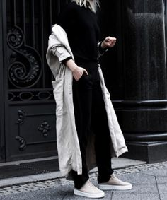 Leonie Markhorst from Noa Noir wearing a Closed Trench