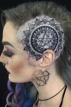 Here are some amazing Head Tattoos for Females and also get information about head tattoos that have to know. Get inspiration for your next head tattoo. Body Tattoo Design, Full Body Tattoo, Get A Tattoo, Back Tattoo, Dragon Tattoo Designs, Tattoo Designs For Women, Tattoos For Women, Head Tattoos, Side Tattoos