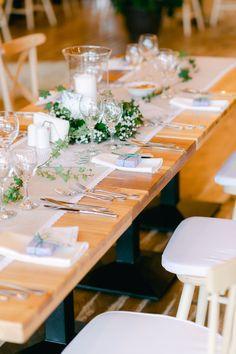 Fotografii de nuntă în pandemie cu petrecere alaturi de cei dragi! 😍🥂 Chic Wedding, Wedding Table, Wedding Day, Bucharest, Bride Bouquets, Wedding Locations, Dessert Table, Destination Wedding Photographer, Wedding Centerpieces