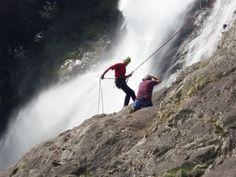 Fotoshooting am Partschinser Wasserfall - schöner kann Arbeit nicht sein, als bei über 30° unter der größten Dusche Südtirols!