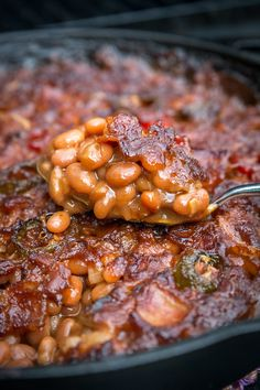 Smoked Baked Beans Will Change Your Life Smoked Baked Beans Will Change Your Life – smoker recipes,masterbuilt smoker recipes,electric smoker recipes,bradley smoker recipes,best smoker recipes Smoked Baked Beans Recipe, Baked Bean Recipes, Smoked Meat Recipes, Bbq Baked Beans, Smoked Baked Potatoes, Beans Recipes, Smoker Grill Recipes, Smoker Cooking, Grilling Recipes