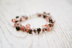 Enchantment - Rhodonite, Pink quartz and Onyx crystal gemstone bracelet - feminine, trendy, beautiful and powerful Pink Quartz, Rose Quartz, Crystals And Gemstones, Feminine, Beaded Bracelets, Jewellery, Trending Outfits, Unique Jewelry, Handmade Gifts