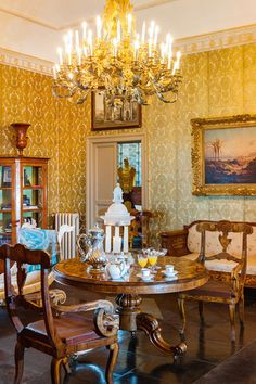 A wonderful Sicilian Villa recalling the atmosphere of Gattopardo age - Design news - GraziaCasa.it