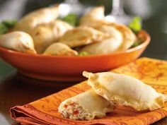 Empanadas are a stuffed Latin pastry that can hold many fillings. Get your friends together to help stuff and fold these scrumptious crab empanadas to make the preparation speedy. Crab Recipes, Appetizer Recipes, Snack Recipes, Appetizers, Cooking Recipes, Healthy Recipes, Snacks, Strudel, My Favorite Food