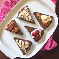 Simple, easy, and healthy chocolate tart with NO dairy, gluten, nuts or eggs! 10 minutes and done. Customize it with your favorite toppings.