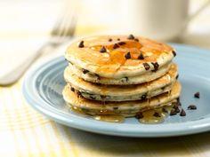 Una de las mejores recetas de hotcakes que existe. Los hotcakes salen esponjosos y las chispas de chocolate se derriten en la boca, wow!