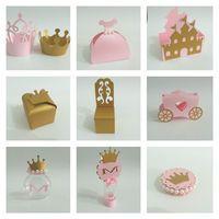 Kit Festa Princesa   Saia para Cupcake , 1,00 * 10 = R$10,00  Caixa Vestido da Princesa , 2,20 * 10 = R$22,00  Caixa Castelo , 3,10 * 10 =R$31,00  Caixa Coroa , 1,80 * 10 = R$18,00  Caixa Cadeira da Princesa, 2,20 * 10 = R$22,00  Carruagem, 3,50 * 10 = R$35,00  Baleiro, 2,20 * 10 = R$22,00  Tubete, 2,20 * 10 = R$22,00  Latinha, 1,60 * 10 = 16,00   Total = R$198,00     Consulte-nos caso deseje customizar o produto, nosso objetivo é atender ....