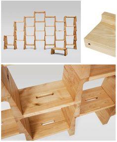 A estante Itamar Burstein é leve, feita com peças modulares, de madeira sem pintura, montada apenas com encaixes de pinos em cavilhas. O empacotamento é simples, reduzido, e a montagem - ultrafácil.