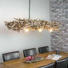 Deze unieke, handgemaakte lamp geeft uw ruimte een natuurlijke uitstraling. Hanglamp gemaakt van brocante perentakken. De hanglamp (160 cm) hangt aan een zwarte ketting (70 cm). De ketting zit vast aan een zwart frame om de lamp aan het plafond te kunnen bevestigen. Er zijn drie verlichtingspunten in de decoratietakken verwerkt. Levering is exclusief lampen. Afwijkende maten en meer/minder verlichtingspunten is mogelijk in overleg (tegen meerprijs). www.decoratietakken.nl Chandelier, Ceiling Lights, Lighting, Home Decor, Candelabra, Decoration Home, Room Decor, Chandeliers, Lights