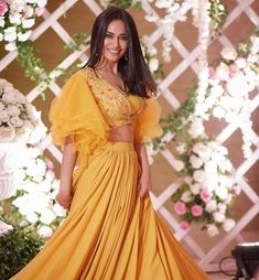 Ghamsan New Portal provide you all the latest updates in India, Technology, Business and Career. Yellow Fashion, Colorful Fashion, Asian Fashion, Women's Fashion, Indian Tv Actress, Actress Pics, Classy Suits, Ballroom Costumes, Red Lehenga