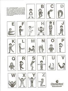 * Maak het alfabet met je eigen lichaam... Maak een letter terwijl je staat in de ringen.