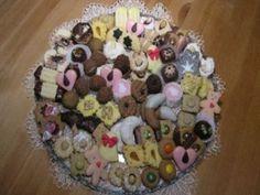 Univerzální těsto a krém na cukroví Nutella, Cookies, Cake, Desserts, Food, Crack Crackers, Tailgate Desserts, Deserts, Biscuits