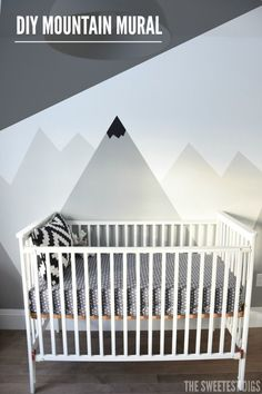 A+Nursery+DIY+Mountain+Mural