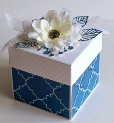 My creative corner: Blue and White box. Wedding Cards Handmade, Wedding Gift Boxes, Greeting Cards Handmade, Diy Gift Box, Diy Gifts, Boite Explosive, Decorated Gift Bags, Scrapbook Box, Exploding Box Card