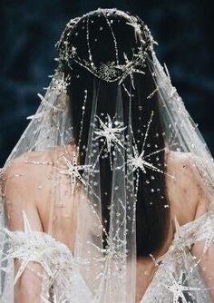 Dreaming of a star wedding dress? A constellation-print veil? A sun-and-moon tiara? We've got them all right here in our celestial bridal style run-down! Star Wedding, Dream Wedding, Wedding Day, Boho Wedding, Wedding Jewelry, City Hall Wedding, Wedding Pics, Trendy Wedding, Wedding Bride