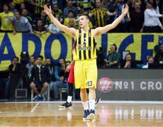 Bogdan Bogdanovic, #13 of Fenerbahce Istanbul in action during the 2016/2017 Turkish Airlines EuroLeague Regular Season Round 23 game between Fenerbahce Istanbul v Olympiacos Piraeus at Fenerbahce Ulker Arena on February 23, 2017 in Istanbul, Turkey.