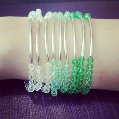 kit de pulseira em degradê verde.