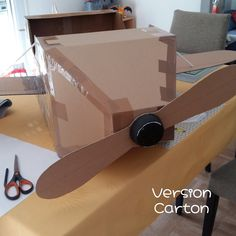 Avion en carton, pour petit pilote en herbe. Cami, Costume, Cardboard Toys, Light Project, Grasses, World, Projects, Gaming, Bricolage