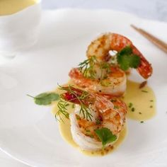 Scampi in Thaise curry met appeltjes Prawns with Thai curry and apples I Want Food, Love Food, Scampi Curry, Bistro Food, Seafood Appetizers, Shellfish Recipes, Healthy Summer Recipes, Food Presentation, Food Inspiration