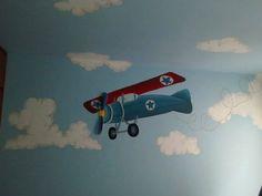 """Habitación bebé con mural temático pintado a mano  """"Aviación"""" A&D 2015"""