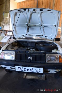 Oltcit with crankable engine