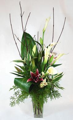 """Giglio Alto"" Floral Arrangement"