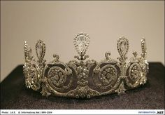 Townsend Tiara: Cartier, Paris, 1905, platinum, seven pear-shaped diamonds weighing approximately 17 carats in total, old and rose-cut diamonds, millegrain setting. Nick Welsh, Cartier Collection.