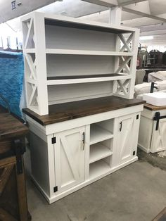 Home Furniture Shelves - Metal Furniture Bathroom - Furniture Projects Buffet - Plywood Furniture TV Unit - Farmhouse Furniture, Pallet Furniture, Furniture Projects, Furniture Plans, Rustic Furniture, Furniture Makeover, Home Projects, Furniture Design, Farmhouse Bed Frames