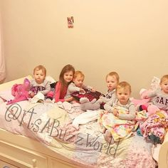 Wakey wakey, eggs and bakey! These little quints got to wake Blayke up today! This never happens! The quints loved it so much, and Blayke sure was surprised! #hellospringbreak