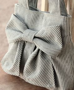 Romantic Lace Appliqu Sheath Vintage Wedding Dresses Cap Sleeves