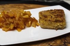 Gebacken Kaasplak met pittige appelcompote | Foodina