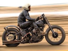🤘🏼 - Kustom Kulture- I Live For This Shit Brat Motorcycle, Motorcycle Types, Vintage Motorcycles, Cars And Motorcycles, Harley Davidson, Porsche, Adventure Gear, Kustom Kulture, Moto Style