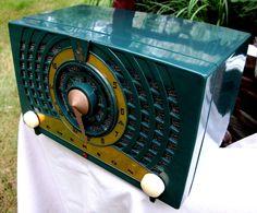 Emerson DECO radio mid century STUNNING condition GREEN original working m-778-B