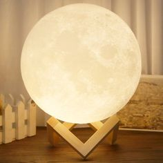 The moon night light is made by printer with materials, gift for Valentine's Day; Comes in a box, Presenting the real moon surface with Printing technology. Moon Light Lamp, 3d Light, Table Lamps For Bedroom, 3d Printing Technology, Contemporary Table Lamps, Led Night Light, Table Desk, Moonlight, Light Colors