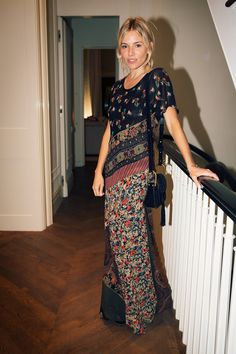 Sienna Miller - Lauren and Andrés Santo Domingo Host Cocktails for Conservation International - September 2016 - Vogue Estilo Sienna Miller, Sienna Miller Style, Sienna Miller Hair, New York Fashion, Star Fashion, Boho Fashion, Feminine Fashion, Bohemian Mode, Bohemian Style