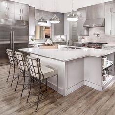 We can smell the crème brûlée from here! 🍮 The Chefologist™ kitchen inspires a new level of culinary creativity. Pulte Homes, House Elevation, Kitchen Designs, Home Kitchens, Interior And Exterior, Orlando, House Plans, Creativity, House Ideas