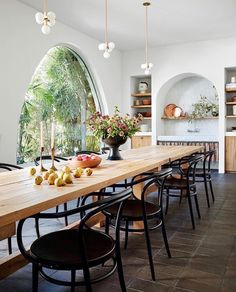 "Jenni Kayne on Instagram: ""We wouldn't mind a meal (or two) in this lovely kitchen designed by @studioshamshiri 📷: @trevortondro for @archdigest"""
