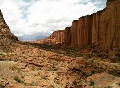 Hasta el infinito  La quebrada de #DonEduardo es otro imperdible de #Talampaya #LaRioja #Argentina #vacaciones #verano2016 #wanderlust #mochilero #AmoViajar #backpackers by con_los_pies_por_la_tierra
