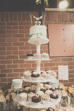 Wedding cake and cupcakes at Ten22