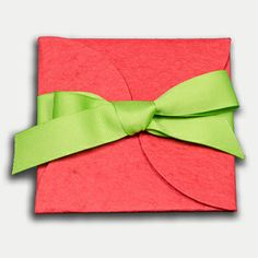 ECOMAIDS Basil seeded envelope that comes to you with a gift card for ECOMAIDS cleaning service! #gift #clean house #ideas