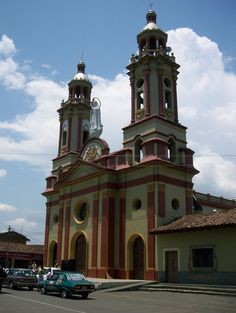 Colombia - Ginebra es una ciudad perteneciente al departamento de Valle del Cauca. Donde la musica siempre vibra.