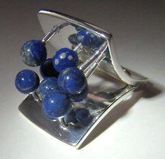 Pekka Piekäinen for Auran Kultaseppä, vintage sterling silver and lapis lazuli ring, 1973. #Finland #PekkaPiekainen