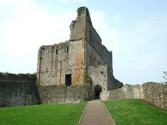 life in medieval castles